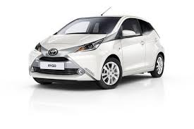 Car Rental in Madeira -  Reservar Toyota Aygo 1.0 com Funchal Car Hire